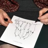 """Den Mutigen gehört die Welt _ du bekommst eine Skizze Vernissage """"Wertewandel"""" der Schweizer Künstlerin Piroska bei Merck Fink&Co am 27.04.2016© munichpress.de / Guenther Reisp"""